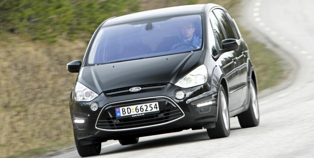 NY FRONT: S-Max deler nå fjes med alle andre nye Ford-modeller.