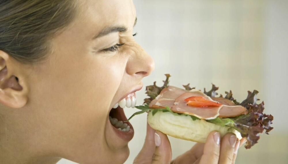 VITAMINER: Husk grønnsaker på brødskiva. Det kan redde kostholdet ditt.