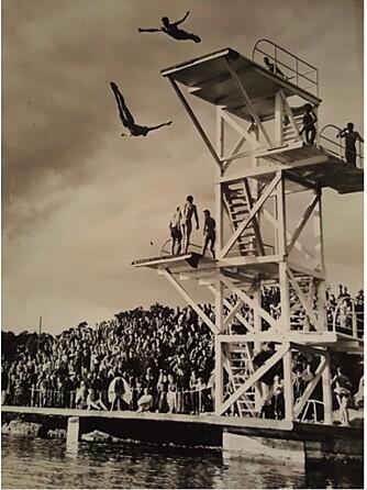 MINNER: Den som svever høyest på dette bildet er pappaen til Marte. Det er fra en stupekonkurranse på 60-tallet, da han var en av Norges beste stupere.