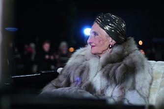 KJENT FIGUR: Rollefiguren Astrid Anker-Hansen feiret sin hundreårsdag i sin siste episode, men falt i koma og ble skrevet ut i serien. Det ble en storslagen avslutning for Sossen Krohgs lange fartstid i såpeserien.