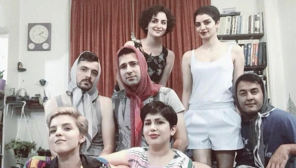 """TAR PARTI: Vi synes ikke det er ærefullt å tvinge noen til å dekke til håret, skriver initiativtakerne til Facebookgruppen """"My Stealthy Freedom"""" og utfordrer følgerne til å dele bilder under hashtaggen #meninhijab."""