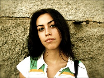 """LINNÈA JOHANSSON: Illustratør og Kvinneguiden-spaltist Linnèa Johansson mener vi bør slutte å bruke ordet """"fitte"""" som en negativ betegnelse."""