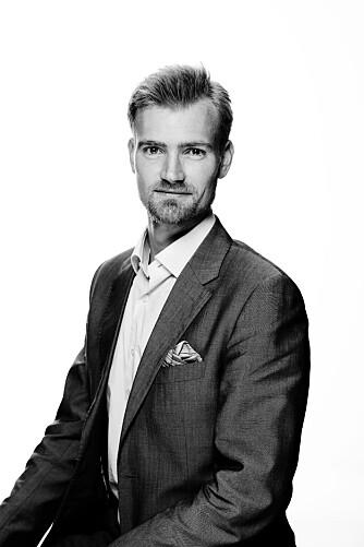 TALEEEKSPERT: Martin W.Stenstad ved Geelmuyden Kiese har lang erfaring med å holde foredrag, men innrømmer at han likevel kjenner på angsten selv hver eneste gang. FOTO: Geelmuyden Kiese.