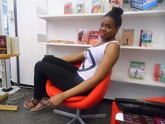 TALENT: Holmlia er som en talentfabrikk, mener Chika. I dag skriver hun bøker. Bildet er fra Holmlia bibliotek.