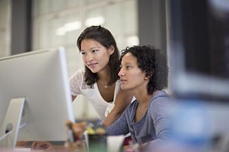 LØNNSTAPERE: Kvinner taper mest i yrker med høyere utdanning.