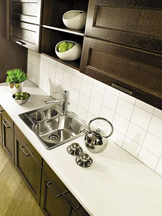 FIRE FARGER: Kitchen Board platene kommer i fire farger og flere fasonger.