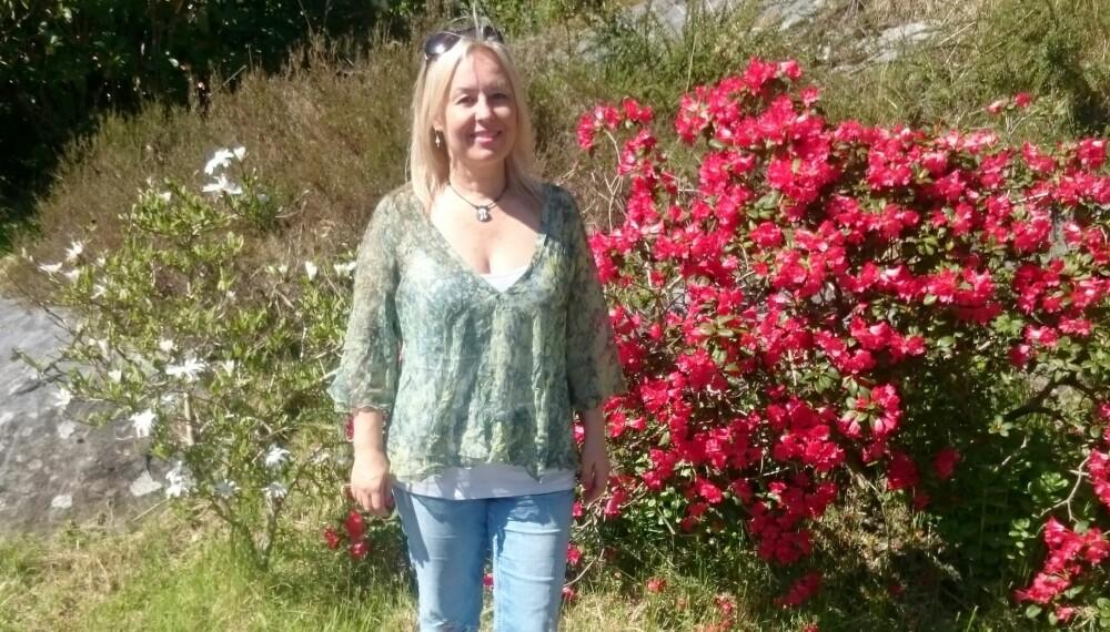 DRIFTIG DAME: Monica elsket de travle dagene, men kroppen orket ikke. Nå har hun lært seg å gire ned - og deler erfaringene med andre i faresonen for å møte veggen.