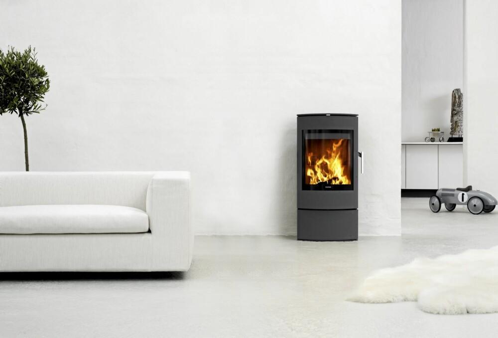MODERNE STØPNING: De nye ovnene er konstruert slik at man kan fyre effektivt også med mindre lufttilførsel og mindre vedlast.