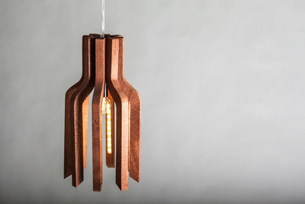 EIK: Karina Engen Høglid, Orb Design Studio, har designet prototypen A-Line. Den er laget i eik, og ble vist frem under 100 % design i London i september.