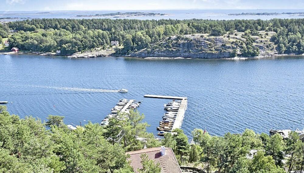 RIKTIG BELIGGENHET TIL SALGS: Bildet viser utsikten på populære Torød og deler av Nestvikveien som er Norges heteste hyttefelt i øyeblikket. Snittprisantydningen for fritidsboliger her er på 9,5 millioner kroner.