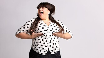 Hvorfor er det så utenkelig at tjukke mennesker kan være lykkelige? spør Carina Carlsen.
