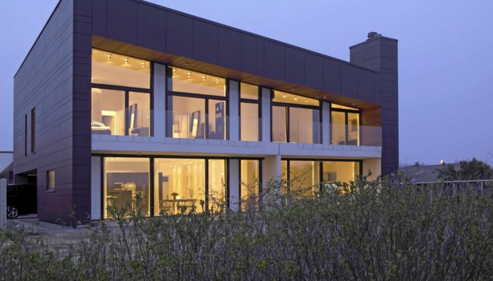 BÆREDYKTIG: Kompakte Villa Alstrup henter energien den trenger og mer til fra naturen ved hjelp av solfangere, solceller og jordvarmeanlegg. C.F.Møller har kontorer i mange land og i Norge har de i det siste blant annet signert restaureringen av Aulaen ved Uio, landets fornemste møte- og konsertsal og tunge prosjekter som sykehus.