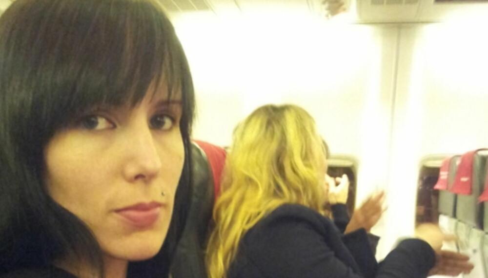 FLYSKREKK: Renate har flyskrekk. Ferien har ikke begynt før flyet er på bakken.