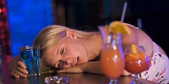 ALOKHOLBRUK: - Problemene utvikler seg fortere hos kvinner med henhold til utviklingen av alkoholavhengighet, sier psykolog Sonja Mellingen.