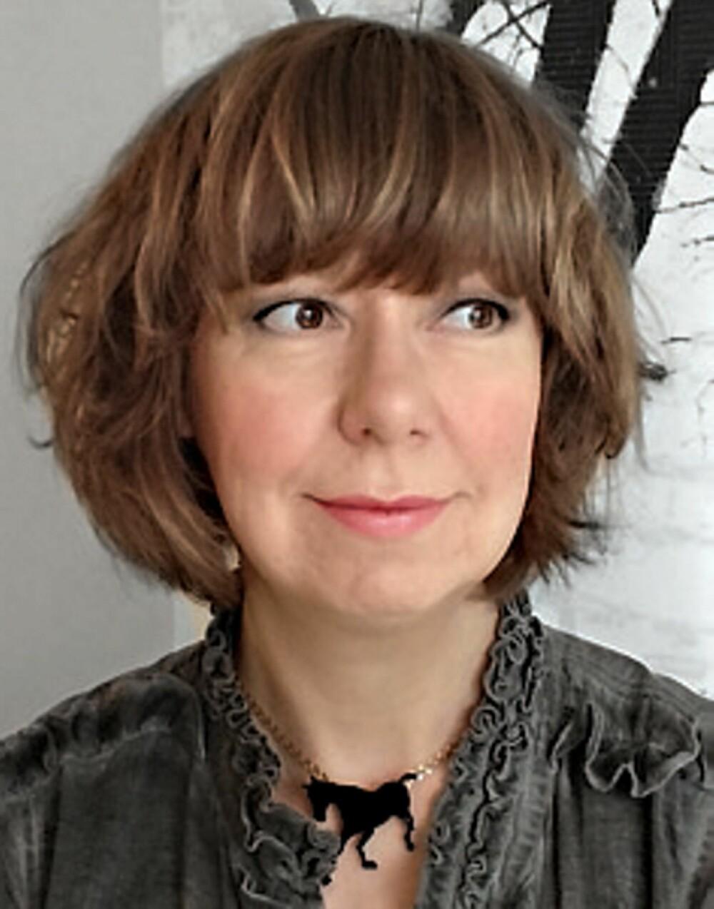 DESIGNER I SCANDINAVIAN SURFACE: Ann-Tove Engenes følger blant annet Helle Tjaberg sin blogg for å holde seg oppdatert.