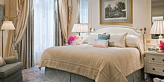 DYR SØVN: Denne senge befinner seg på luksussuiten på Four Seasons Hotel George V i Paris.
