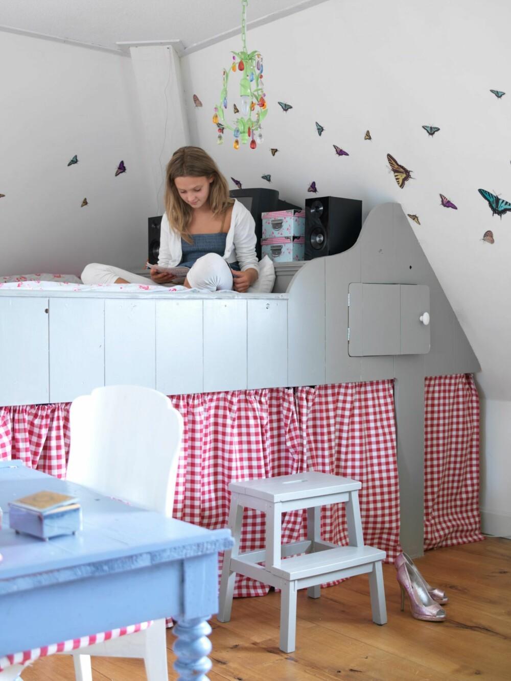 GOD PLASS: Vera har også fått en plassbygget seng, men i dobbel størrelse sånn at det er plass til overnattingsgjester.