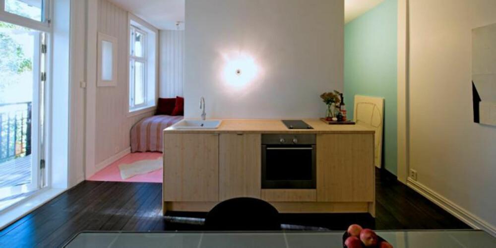 LAG SONER MED FARGER: I små rom kan det lønne seg å definere soner ved hjelp av farger og kontraster.