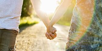 KRISE: Et av tegnene på at forholdet er i krise, er at dere ikke lenger føler dere som kjærester.