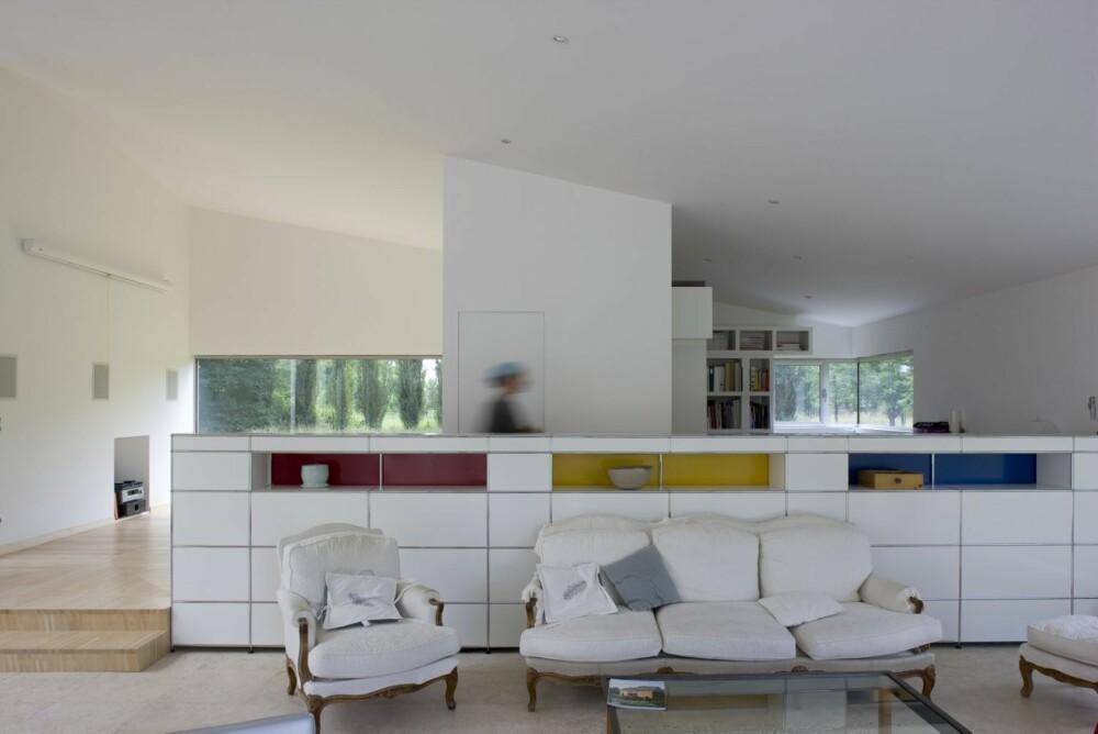 MØBLERT MED STIL: Med noen få klassiske stilmøbler får interiøret en ekstra spenst.