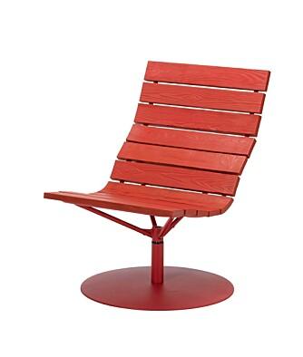 Denne lekre stolen kan du slynge deg i på verandaen.
