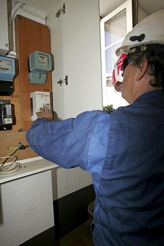 """Godkjente el-arbeider krever såkalt samsvarserklæring, og det får du sannsynligvis ikke av en """"svart"""" elektriker."""