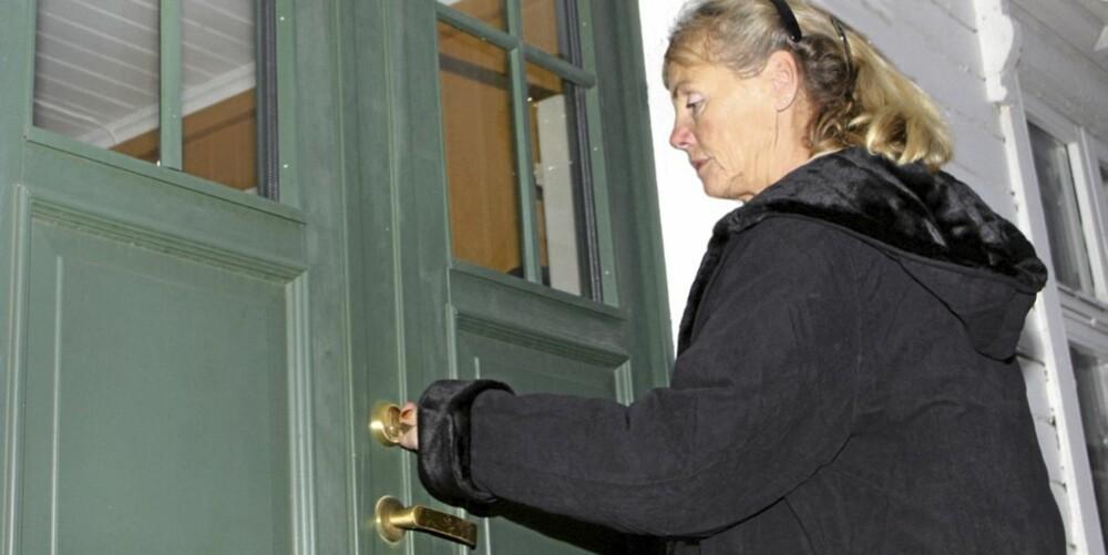PASSER NØKKELEN: Når du kjøper bolig, har du mange rettigheter om det er feil eller mangler.