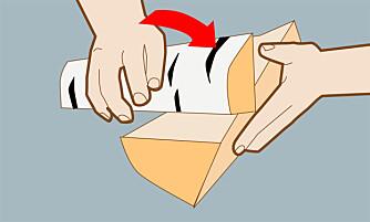 Sjekk veden: hører du en lys klang-lyd når du slår kubbene mot hverandre, så er veden tørr.