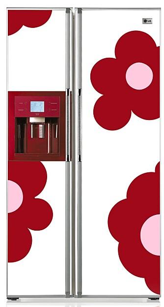 FLOWERPOWER: Kjøleskap fra LG Electronics med design til forveksling lik melkekartongene på 80-tallet.