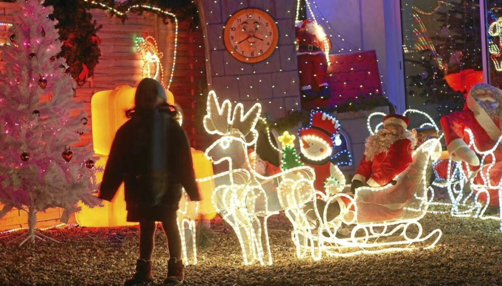 Belysning av julehus.