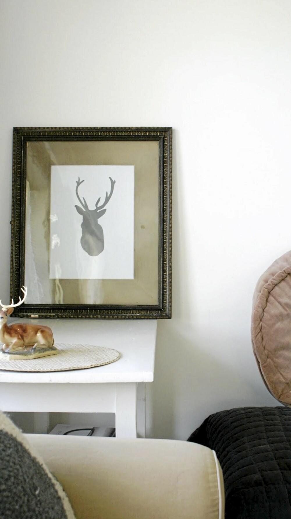 HJEMMELAGET KUNST: Bloggeren Noralill har laget dette morsomme bildet av et reinsdyrhode.