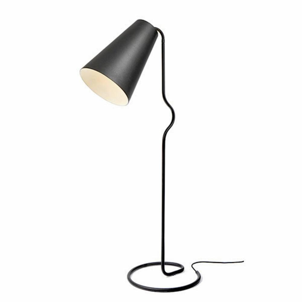 OVERDIMENSJONERT: Bender fra Northern lighting har organiske linjer og en overdimensjonert lampeskjerm.