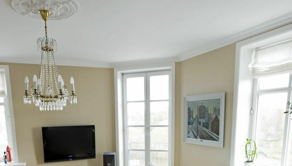 FASTMONTERT? Skal du ha med deg farmors gamle lysekrone når du selger boligen, må dette avtales. hvis ikke må den bli hengende igjen.