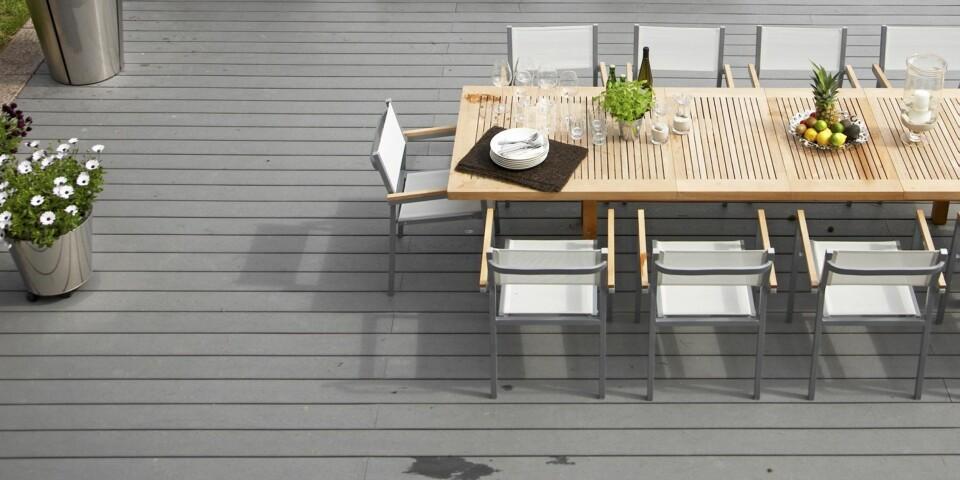VEDLIKEHOLDSFRIE TERRASSEBORD: I et hav av varianter finner vi blant annet kompositt terrassebord, termotre, kebony og ubehandlet tre.