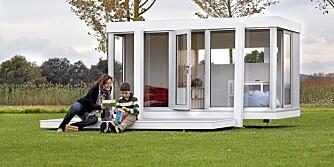 RENE LINJER: Husene representerer god formgivning utfra voksnes kriterier. Spørsmålet er om barna bryr seg så mye om den moderne stilen? Dette huset er på 3,10 x1,80x1,90m. Pris 8500 Euro.