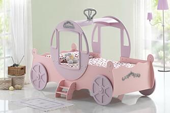 Askepott-seng: Er det prinsesser som gjelder, kan nok de færreste motstå denne herlige sengen. Prisen er kr. 2890 på www.drommerom.no