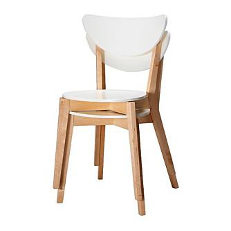 I HØYDEN: Stoler som kan stables, som Nordmyra fra Ikea, vil spare plas når de ikke er i bruk.