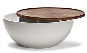 GJEMMEPLASS: Smart bord med plass under lokket. Å kunne gjemme bort rot og nips vil hjelpe deg å holde orden.