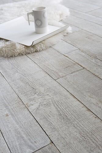 NAKENT: Å holde gulvet tomt for både tepper og rot vil lure deg til å tro at det er mer gulvplass tilgjengelig.