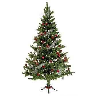 NATURTRO: Jula.no, som er et postordrefirma, ønsker god jul med dette plastikktreet. Prisen er på 199 kroner. Høyden på 2,10 meter.