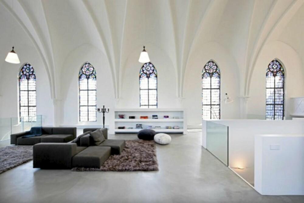 STORSTUE: Proposjonene i den gamle kirken gjør at man lett føler seg liten.