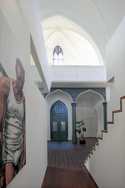 FREKK FUSJON: Kontrasten mellom det gamle bygget og det moderne interiøret er spennende.