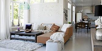 SØT SJARM.Skimrende skjell på veggen og annen dekor gir  rommet stor utsråling.