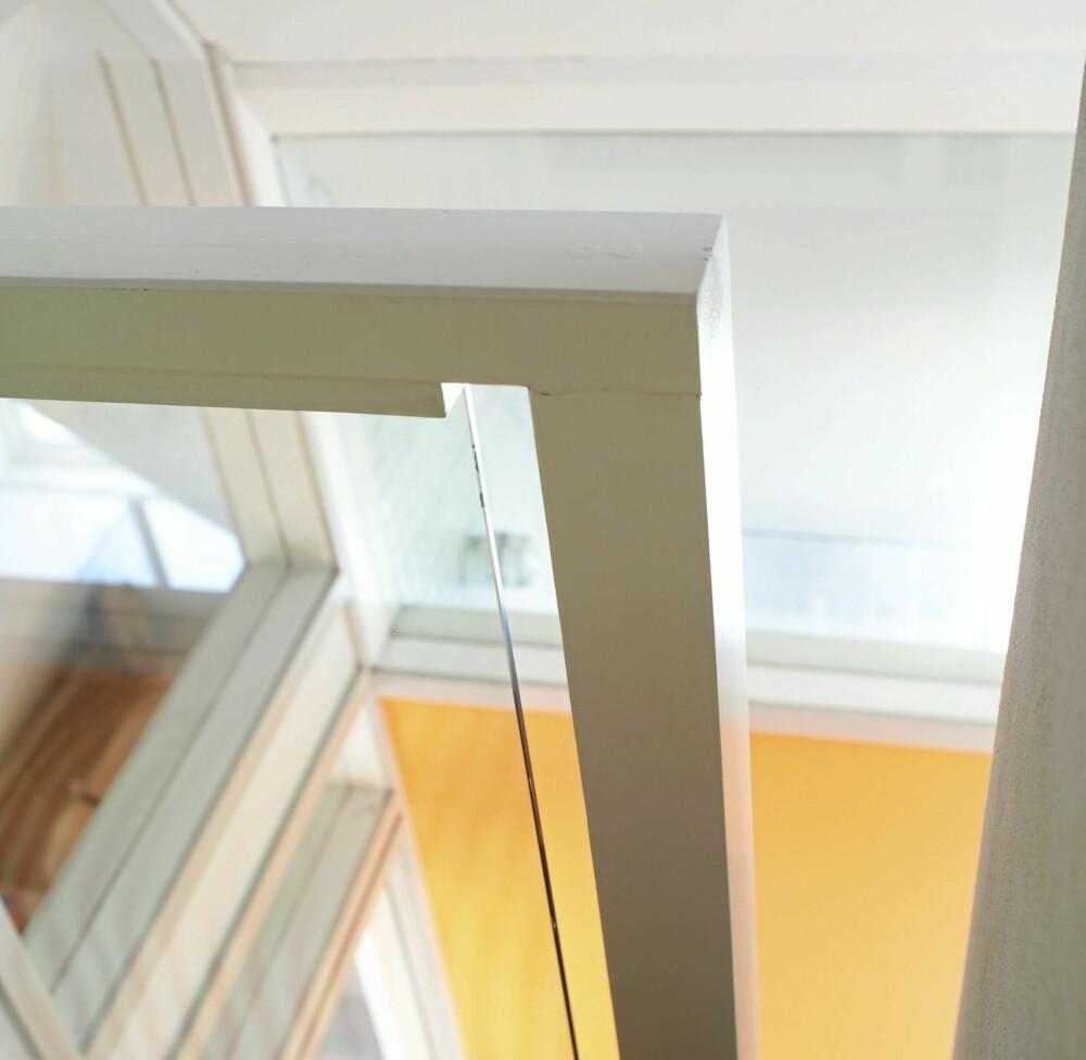 FINTEGNET TRAPP: Arkitekten tenget alle detaljer, blant annet denne renlinjete avslutningen på trappegelenderet.