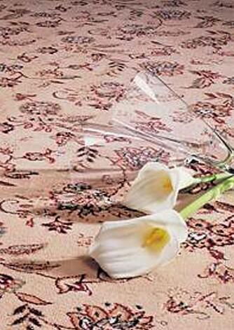MØNSTER: Gulvet trenger ikke å være ensfarget. Blomster og andre mønstre tar seg godt ut.