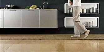 KJØKKENGULV: kjøkkenet er et arbeidsrom og trenger sterke gulv som tåler slitasje.
