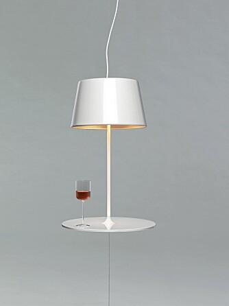 SVEVELAMPE: Hareide Design viste prototypen på en svevende lampe på 100% Norways stand i London sist helg, nothernlighting.no