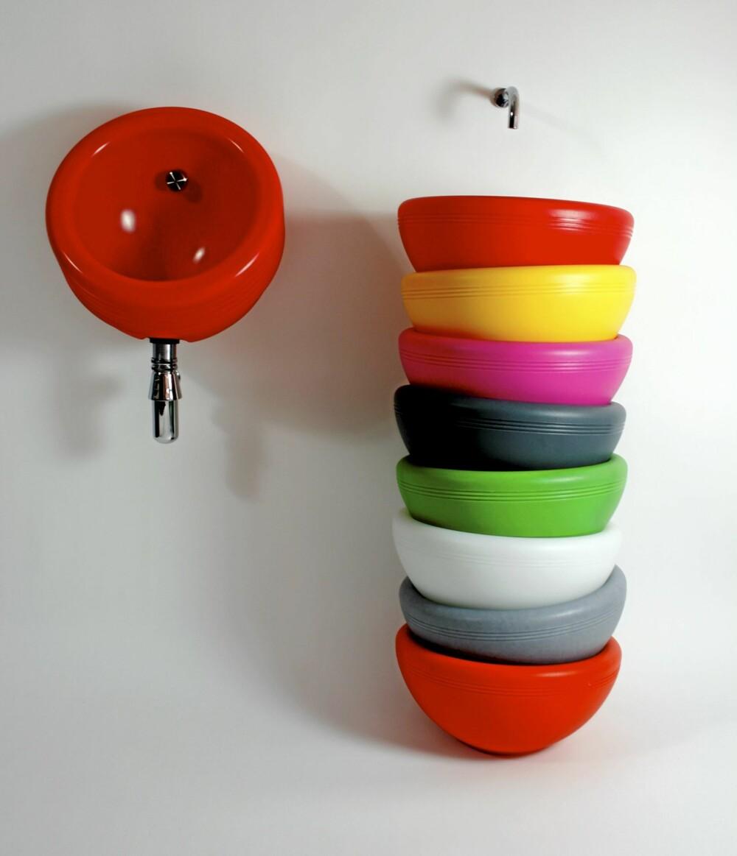 FARGEVASK: Runde fargeglade former på toalettet får du fra Philip Watts Design, 100 percent London, philipwattsdesign.com