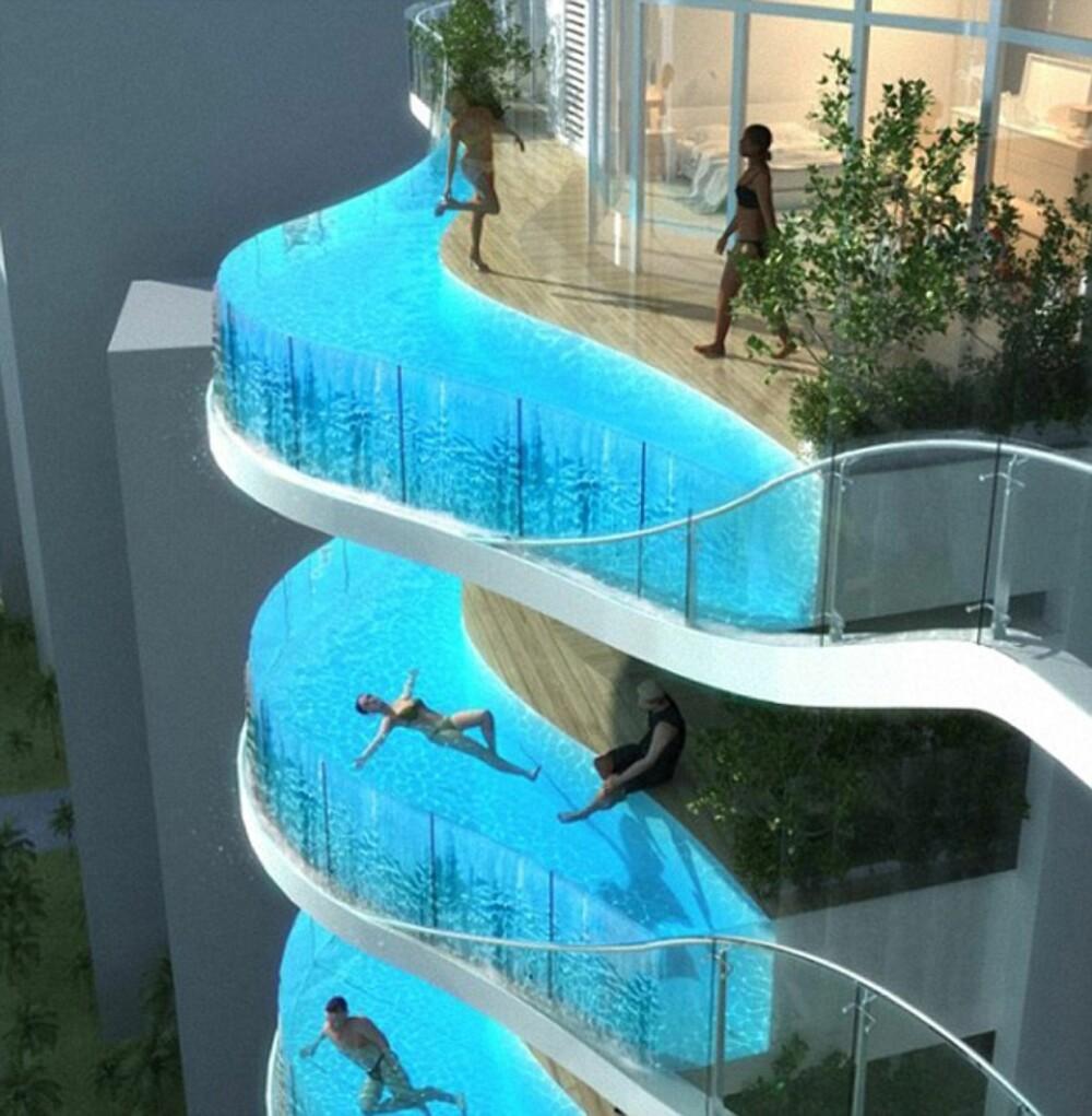 """TØR DU? Mange hevder disse balkongene er en """"ulykke som venter på å skje""""."""
