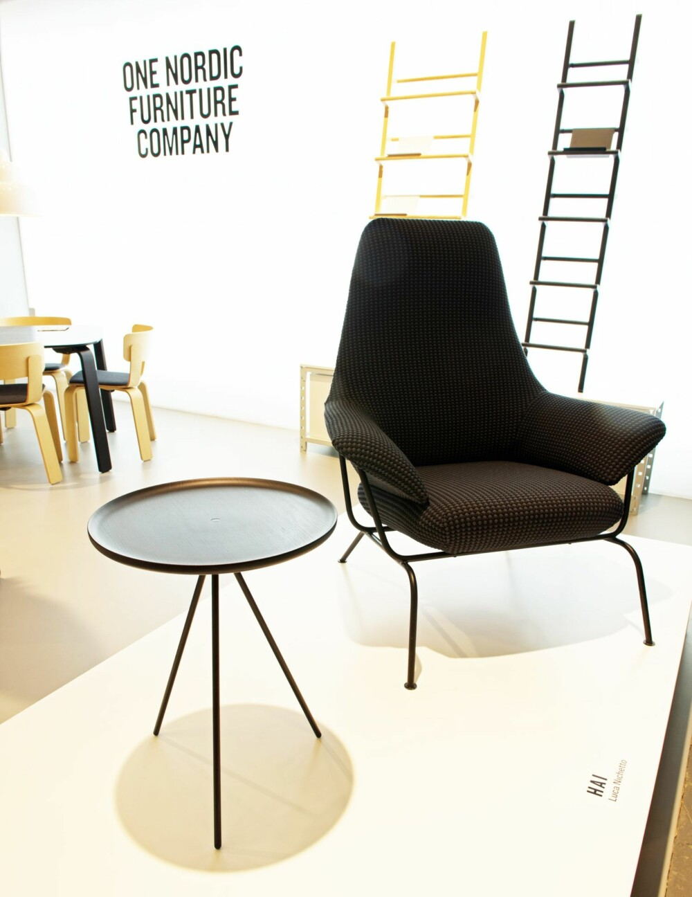 FERSK OG LOVENDE: Bordet Key og stolen Hai er vitner om at nyetablerte One Nordic Furniture Company kan komme til å bli en ledende produsent.